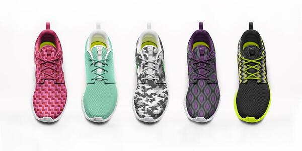 2a6a331a66b8 Customize the Roshe Run http   swoo.sh UrGOgs pic.twitter.com cmrAuy8Yw6