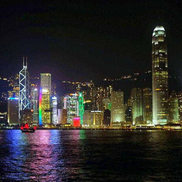 A2 I'm obsessed with #HongKong right now! Great fashion and scene #TL_Chat #China http://t.co/MpyJI7fGLG