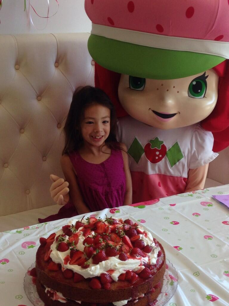 Twitter / BerryBestBits: #berrybestfriends Strawberry ...