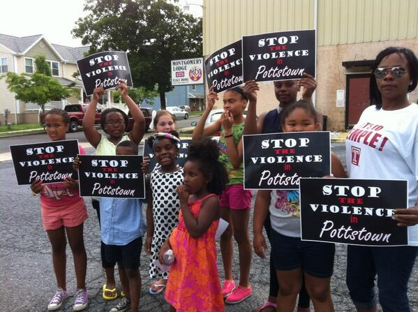 These children in #Pottstown want to feel safe when they go outside. #stoptheviolence @MercuryX http://t.co/nQz5Tkl9hj