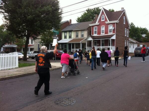 Peace marchers turn from Washington on to Beech Street. http://t.co/awNP8HnnVR