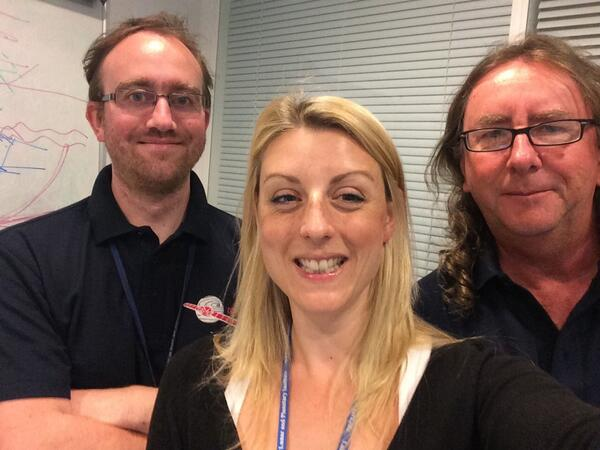 Our @CatchAComet team ready for our @royalsociety #asksummerscience Q&A in 15 mins. Send us your Q's. http://t.co/zQ2FwiEoEf