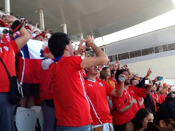 Brilliant. Chile fans belting out acapalla version of national anthem while filming themselves at the same time http://t.co/8JXsiqTqJo