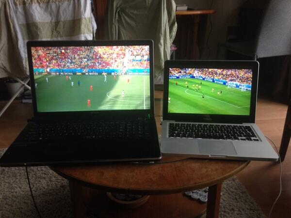 So it's that time of the #WorldCup - simultaneous games. This is how we roll... #nedvschi #ausvsspa http://t.co/2cd6SCcZpm