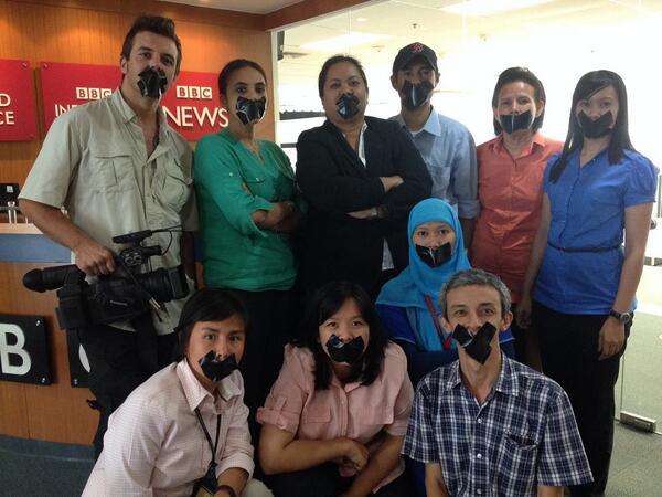 Dukungan kami untuk Peter Greste, Mohamed Fahmy dan Baher Mohamed #FreeAJStaff #Journalismisnotacrime http://t.co/y03GCuRS97