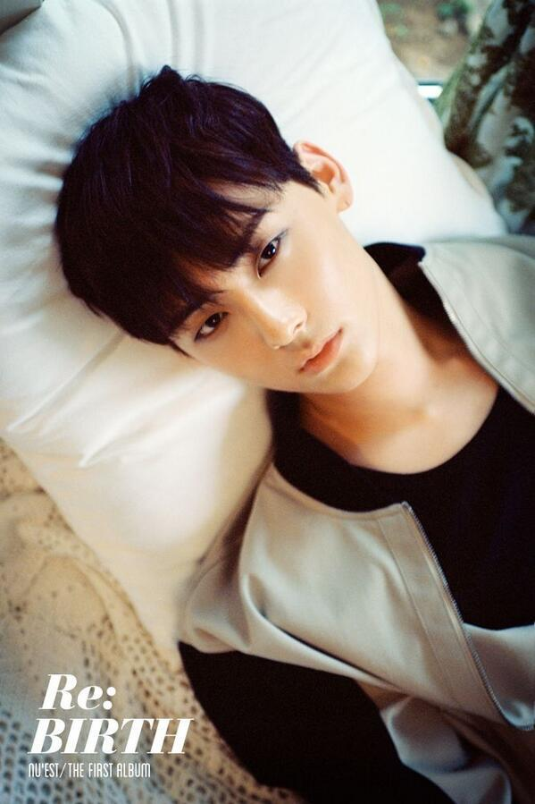 Minhyun lures you in with his sexy eyes in individual teaser image for NU'EST's 'Re:BIRTH' http://t.co/mufWCxLIpf http://t.co/hjzpTn806Q