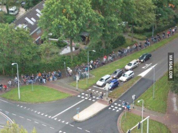 As a result of everyone going to school by bicycle, we have a different kind of traffic jam http://t.co/ODW6uFsgek