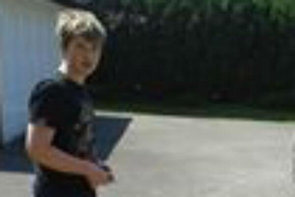 Urgent appeal to help find missing #'Stroud schoolboy Tony Lemm, 13 http://t.co/4ZYhUgw27g http://t.co/L1UDSqSRjX