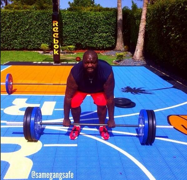 If he can do it anyone can! RT @necolebitchie: Looking Good! @rickyrozay Drops Over 100 Pounds http://t.co/lRL30XxGMe http://t.co/65NuisAUDy