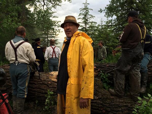 Clark Johnson directing HOW @HellOnWheelsAMC #hellonwheels http://t.co/pcBveT1r6c