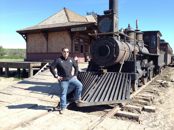 """*Action!* RT @RodLurie: Boy, am I ever ready to yell """"action"""" on #HellonWheels. http://t.co/RoWtvJaUgp"""