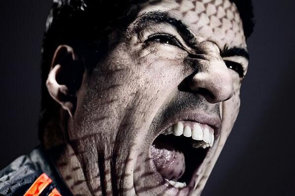 Luis Suarez Kembali Gigit Lawan, Kali Ini Chiellini
