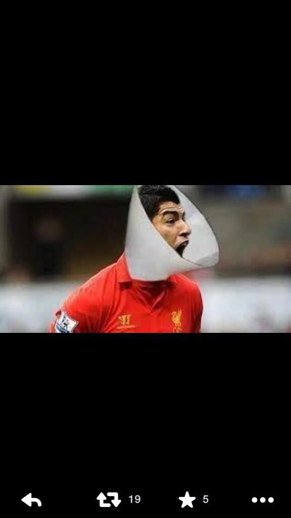 @Reuters @CNNFC  Luiz Suarez necklace http://t.co/yFRLVHz3vq