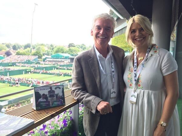 Had a fab afternoon at Wimbledon with @Schofe thank you Robinsons for the lovely afternoon tea! X http://t.co/DuihREmRNg