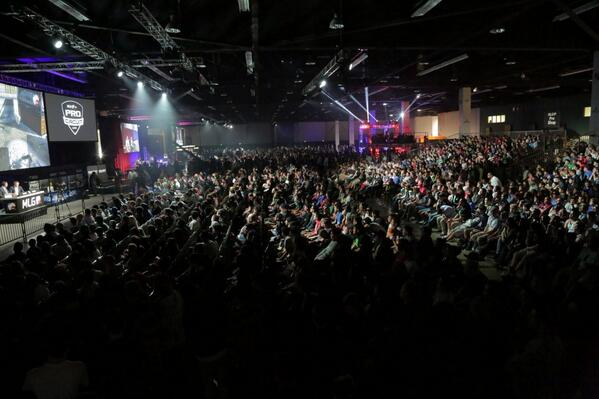 Many said Call of Duty could never be a major eSports title. Well, here we are. (Photo by @KOTKpro) http://t.co/txNYUIw7MA