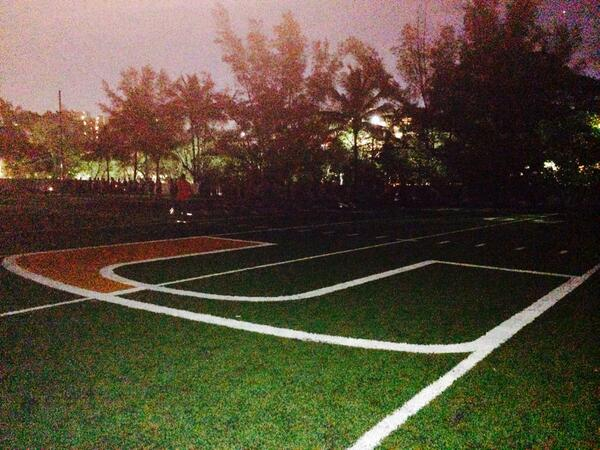 GM! RT @LindsayBohlen: Goood morning from THE U! The CANES are working before the sun comes up #RISEandGRIND at MIAMI http://t.co/LrYDmj4yKY