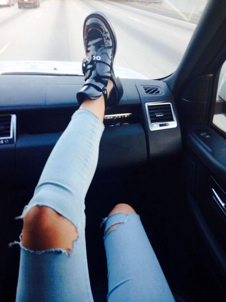 строительное картинка рука на ноге в машине скрытых мужских