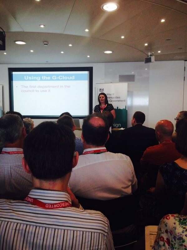 Tracey Gleeson talking about KCC adopting the GOV.uk approach. Go us! #LDdiscovery @kentcc http://t.co/Y1fNfPNMzv