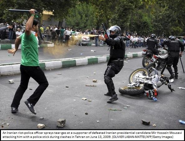 Iran security forces immediately crack down on the protests, leading to street clashes #5YearsAgo #IranElection http://t.co/ADg0710MxI
