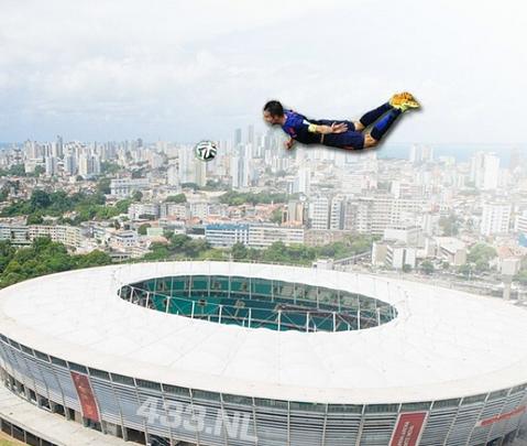 The flying Dutchman! Best pictures & photo shops of RVP equaliser v Spain