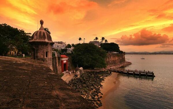 Puerto Rico sunset. The place where skies look like golden cotton candy. #travel #wishlist http://t.co/3ZaESlOaG7