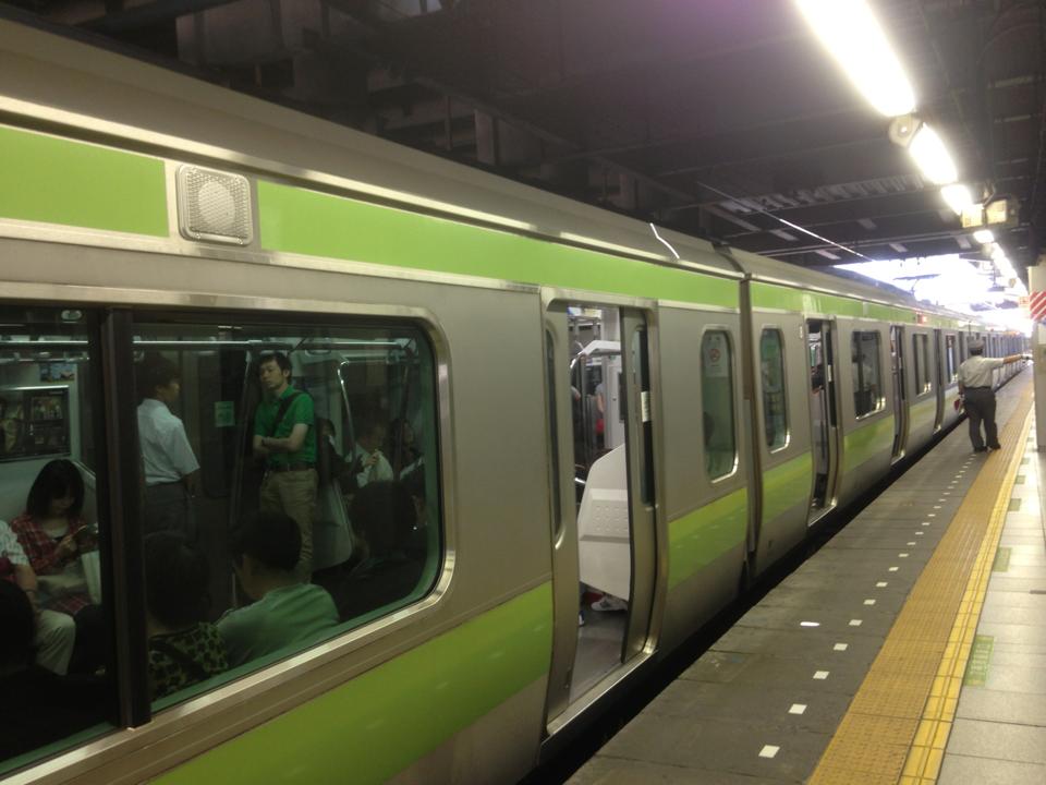 「4号車の5号車寄り」公式 (@ichisato45tx) | Twitter