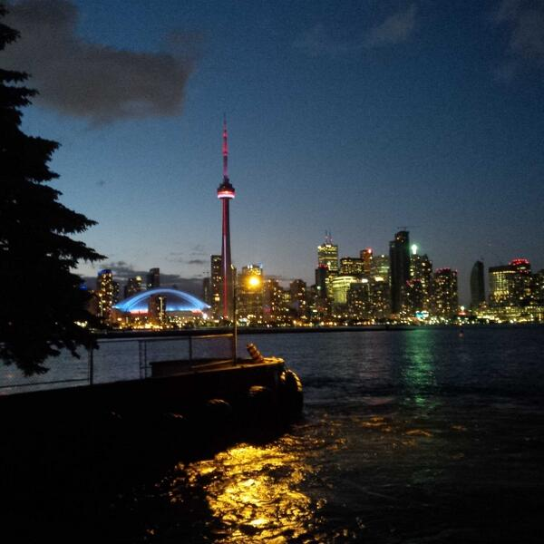 From the Hanlan's Point ferry docks - what a City! http://t.co/3oHeFSyAZw