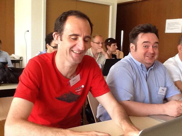 Je n'aurais pas du signer le droit à l'image :) RT @snowakowski: #moocamp #nancy avec @vbellais et @abattistutta http://t.co/AQqs7YPcPF