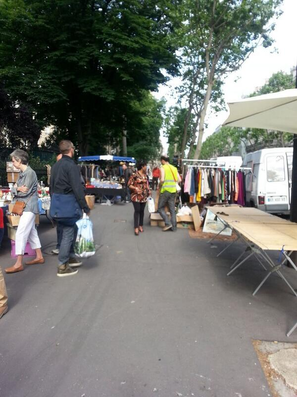 Giant vide grenier on bd Haussman today.  You'll surely find a few treasures and trinkets. #Paris http://t.co/envgqP2Y9Q