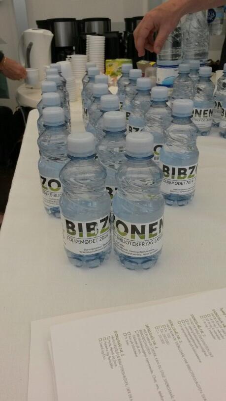 Vand er det mest efterspurgte i #bibzonen her lørdag morgen på #fmdk. Hvorfor mon? http://t.co/CtAT17IBrr