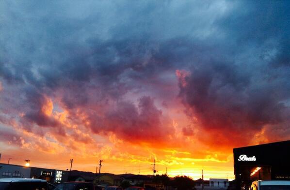 夕陽がキレイだ〜 http://t.co/jqTunRGtr6