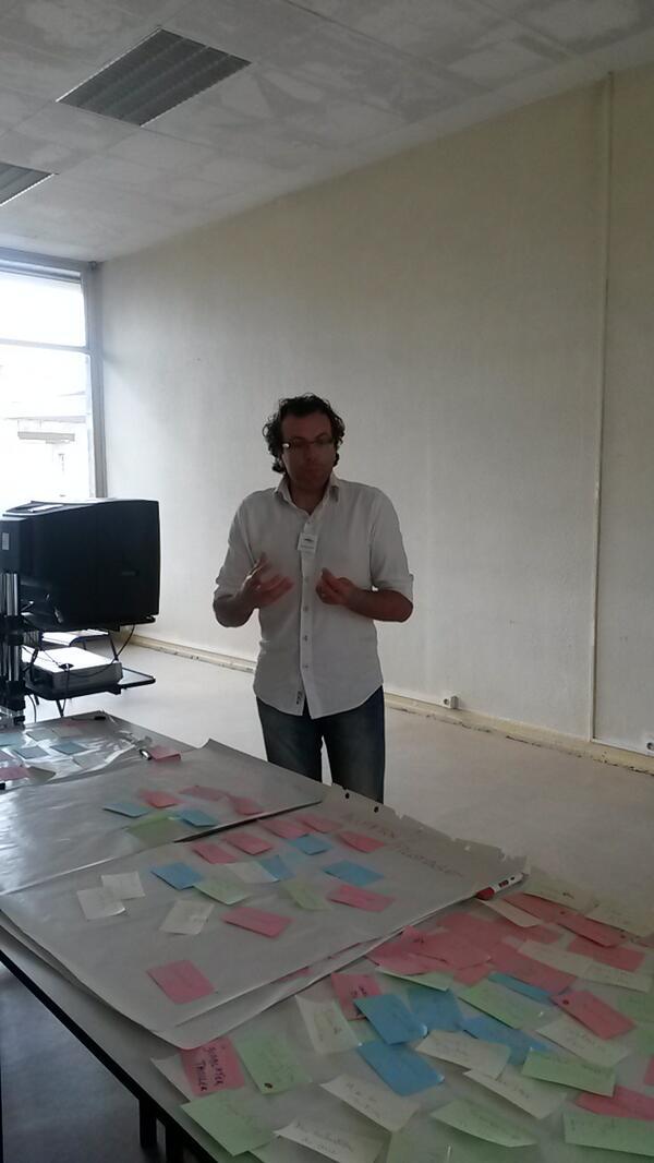 """""""La créativité est une pratique"""" nous explique  Alexandre le porteur du projet 1,2,3 créa #MOOCampNancy  #MOOCamp http://t.co/88CNy0sUhs"""