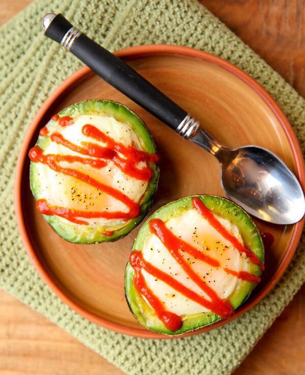 """Avocado Baked Eggs"" #globalwellnessday http://t.co/ibuzp7cJOW http://t.co/RI1AXTLNuH"