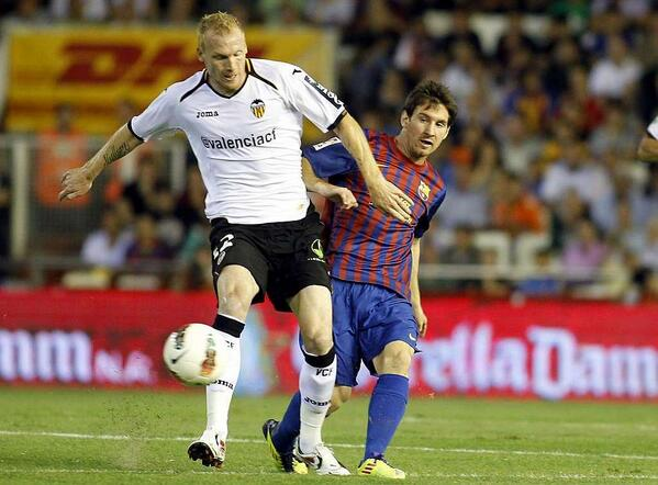Barcelona planning to add Valencias Mathieu and Ashley Cole to defensive options [Mundo Deportivo]