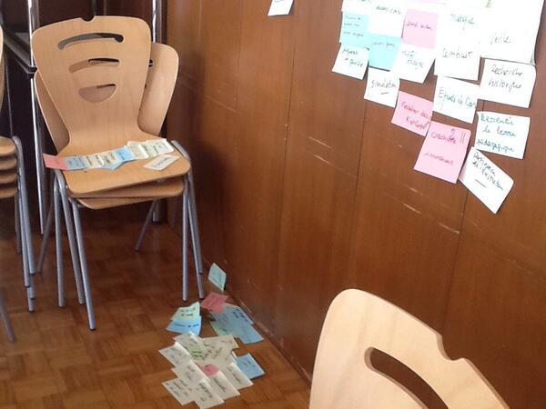 #MOOCamp #nancy les post-it morts se ramassent à la pelle ? http://t.co/rTN01q8Sfl