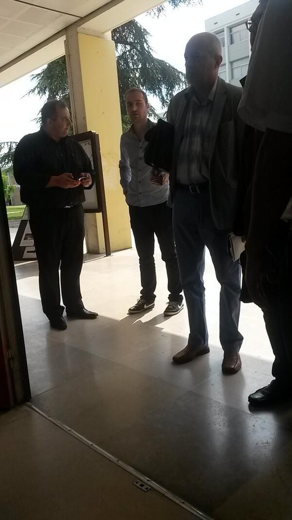 Visite de @PhilippeRivet de @lestrepu au #MOOCampNancy #MOOCamp http://t.co/6OBiuLZRof