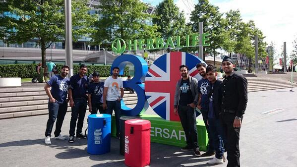 """Loved these guys! @4x4Bhangra Ready to perform for @Herbalife 30th Anniv #wembley #herbalifeukboom   #KingsOfBhangra http://t.co/RQrvvYYjkD"""""""