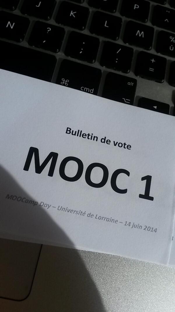 Place aux votes : j'hésite...  #MOOCampNancy #MOOCamp http://t.co/X7w3Gh4svV