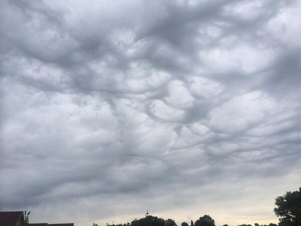 Pre-storm clouds in Kenyon. @RandyBrock @wccoweather #mnwx http://t.co/hF57CfjiBv