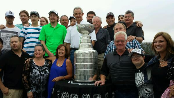 The clan from Viking, Alberta come to cheer on coach.  #stanleycupchampions #LAKings @HockeyHallFame @NHL http://t.co/FinOxtaPZF