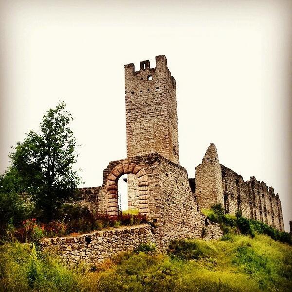 #castelBelfort  #spormaggiore #paganelladaurlo #dolomiti #trento #trentino #visittrentin... http://t.co/sI73yb85hN http://t.co/fIfyHX1Cqy
