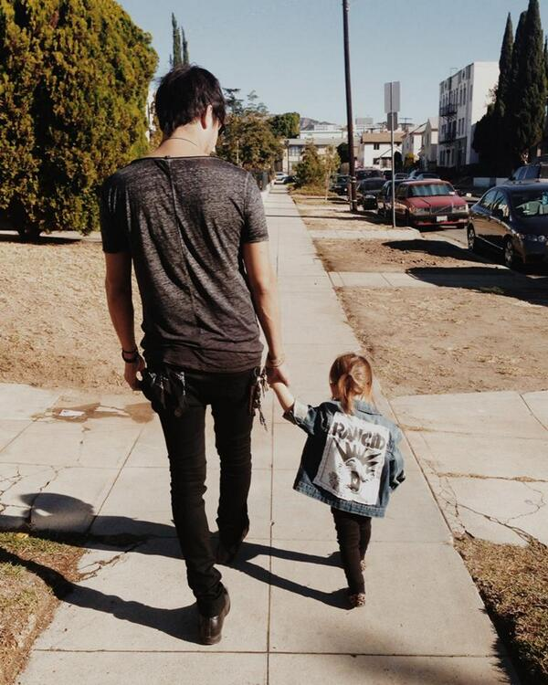 Happy Fathers day to all of you punk rock dads! http://t.co/Mx7OBCvXmZ