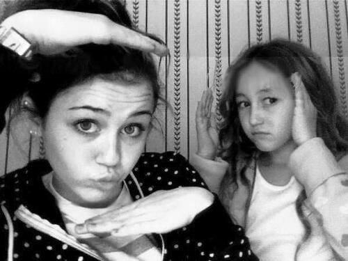 Huge #tbt, one of my fav. @noahcyrus @mileycyrus you guys were the cuttest http://t.co/NollfZzOYu