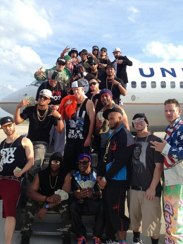 Look at Roenicke in the middle. RT @jlucroy20: Rappers and wranglers trip #iceicebaby #swag http://t.co/oLw7gHoCaE