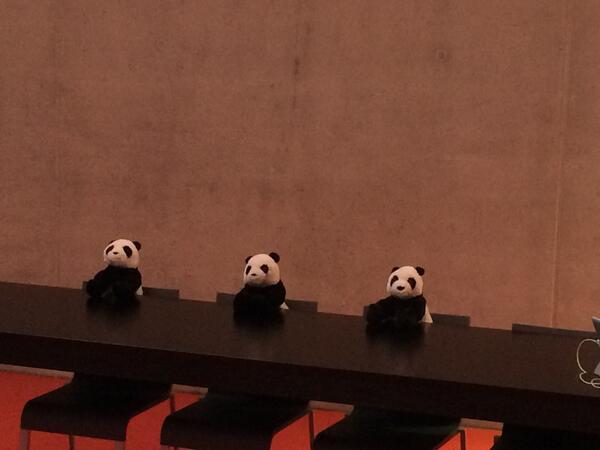 Přednášející dorazili v silné sestavě :-) #seorestart http://t.co/aKSntpBkNU