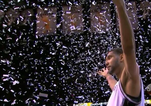 Tim Duncan, champion. Times five. #spurs http://t.co/iJgdkRsIU0