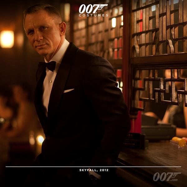 James Bond On Twitter Daniel Craig Wears A Tom Ford Dinner