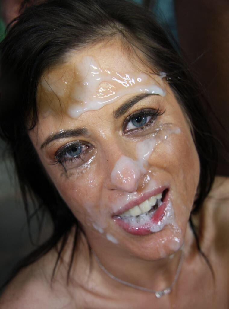 Необычных местах залитые лица в сперме фото внутрь