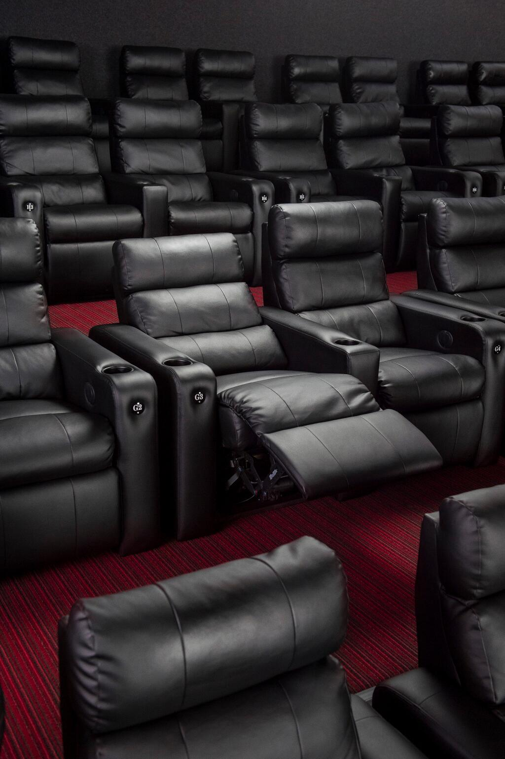 Courtney osgood on twitter showcase cinemas woburn gets for Woburn showcase