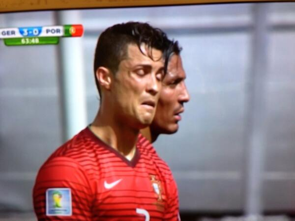 Ronaldo passing the time now with De Niro impressions #youtalkintome http://t.co/DVu528B3SA